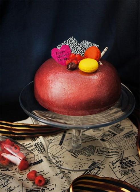 [新聞] 母親節蛋糕「微醺黑鑽可可派對」即日起預購 送兩張小杯拿鐵券